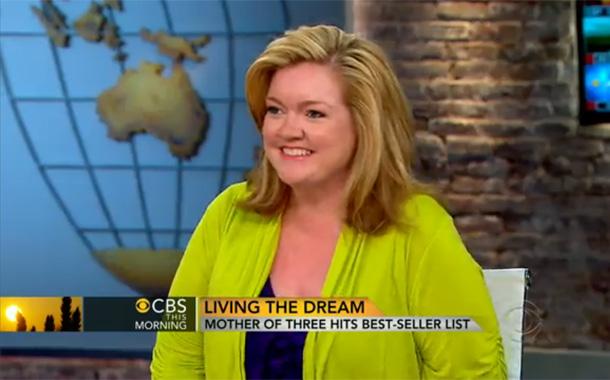 Colleen Hoover reggeli műsorban adott interjút!